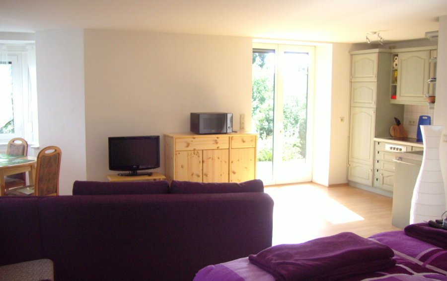 christa sippel wohnung 1. Black Bedroom Furniture Sets. Home Design Ideas